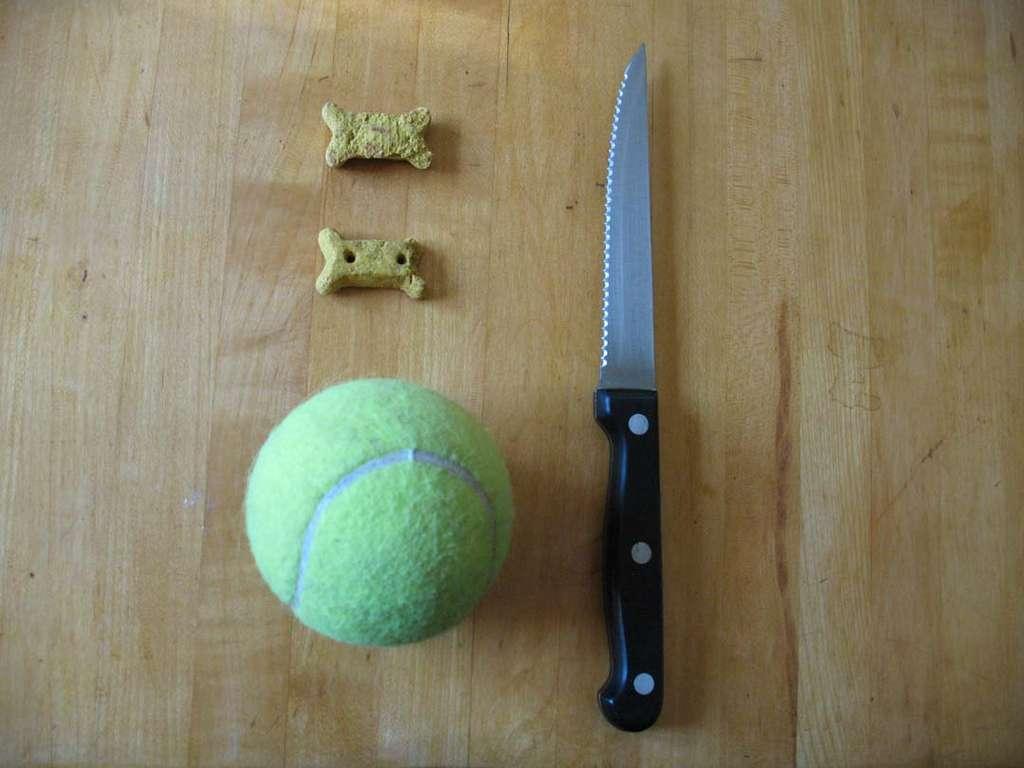 Простая игрушка для собаки